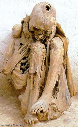 Mummy found in La Petaca - © Keith Muscutt